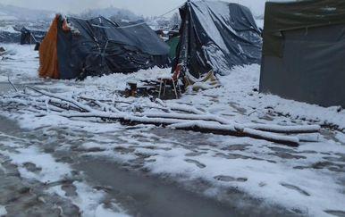 Šatori pod snijegom u Velikoj Kladuši (Foto: SOS team Kladuša, NNK i AYS)