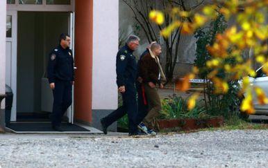 Dovođenje osumnjičenog za dvostruko ubojstvo na Općinski sud u Ilici (Foto: Borna Filic/PIXSELL)