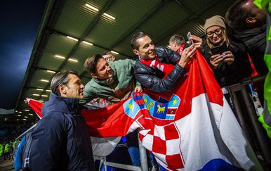 Niko Kovač s hrvatskim navijačima Bayerna (Foto: NordPhoto/NordPhoto/PIXSELL)