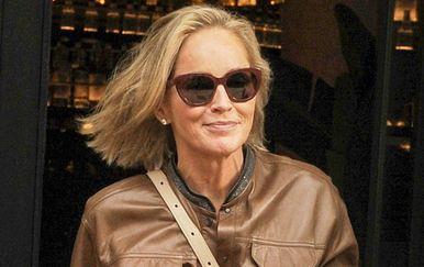 Sharon Stone u kožnatom kombinezonu - 1