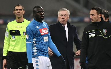 Kalidou Koulibaly i Carlo Ancelotti (Foto: AFP)