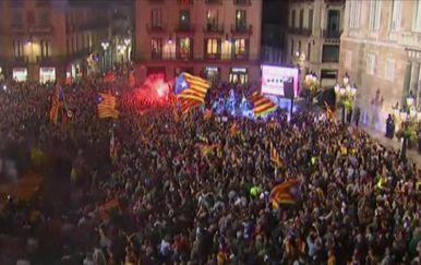 Slavlje nakon proglašenja neovisnosti u Kataloniji (Foto: AFP)