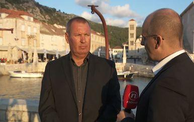 Mislav Bago razgovara s predsjednikom Hrvatskog otočnog sabora (Foto: Dnevnik.hr) - 3