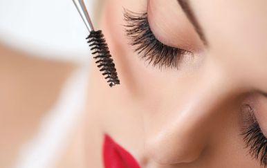 Make-up umjetnica slavnih savjetuje korištenje smeđe maskare uz crnu (Foto: Getty Images)