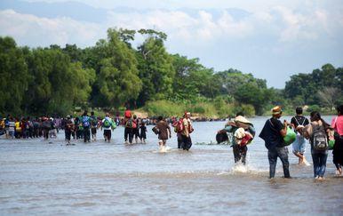 Južnoamerički migranti putuju prema SAD-u (Foto: AFP) - 5