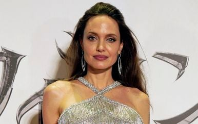 Angelina Jolie na premijeri filma \'Gospodarica zla 2\' u Tokiju - 7