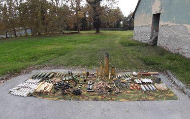 U Sisku predana veća količina oružja (Foto: PU sisačko-moslavačka)