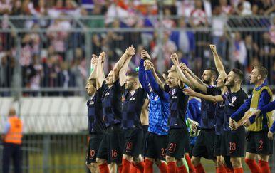 Hrvatski nogometaši slave na Poljudu (Foto: Igor Soban/PIXSELL)