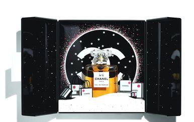 Blagdansko pakiranje Chanelovih parfema