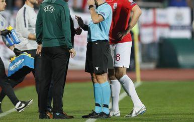 Ivan Bebek razgovara s Garethom Southgateom i Harryjem Maguireom (Foto: David Klein/Press Association/PIXSELL)