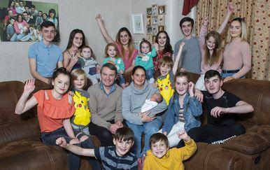 Obitelj Radford nakon rođenja 21. djeteta (FOTO: News Syndication/PIXSELL)