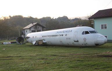 Avion parkiran u dvorištu obiteljske kuće u Zaboku (Foto: Zagorje.com)