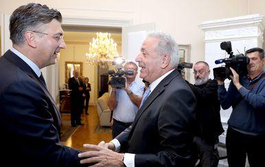 Premijer Andrej Plenković i Dimitris Avramopoulos (Foto: Pixsell,Patrik Macek)
