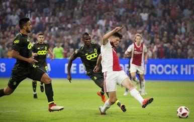 Ajax - Standard Liege (Foto: AFP)