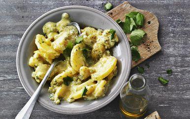 Salata od krumpira odličan je prilog piletini