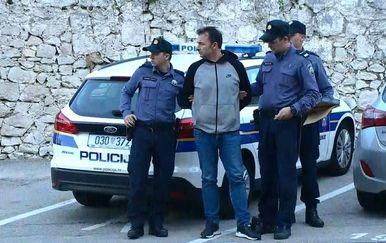 Privođenje oca i sina osumnjičenih za pljačku u Zračnoj luci u Dubrovniku (Foto: Dnevnik.hr) - 1
