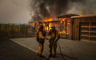Zbog požara u Kaliforniji proglašeno izvanredno stanje (Foto: AFP)
