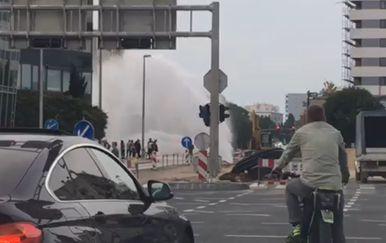 Pukla cijev u Zadru (Foto: Dnevnik.hr)