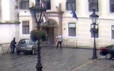 Policija objavila snimku napada