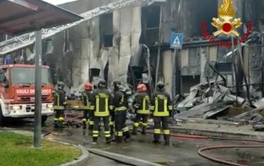 Avion se srušio na zgradu u Milanu