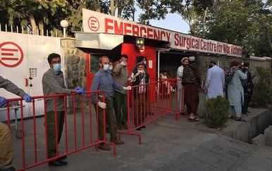 Žrtve eksplozije dovoze u bolnicu u Kabulu