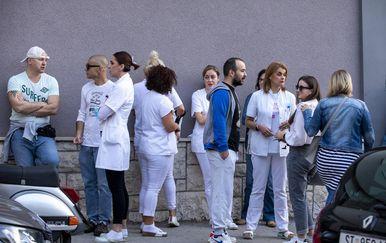 Ispred KBC-a Split održan prosvjed