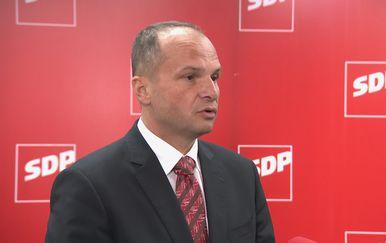 Siniša Hajdaš Dončić. potpredsjednik SDP-a