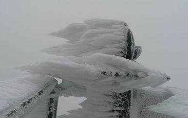 Snijeg na Zavižanu - 2