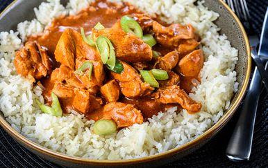 Riža s curryjem, ilustracija