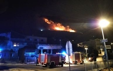 Požar blizu Makarske