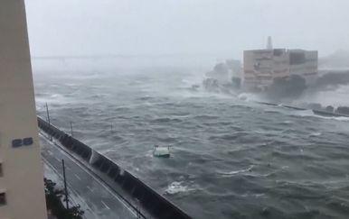 Tajfun u Japanu (Foto: Dnevnik.hr) - 2