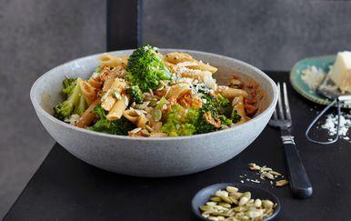 Brokula s pestom i tjesteninom
