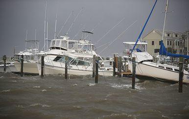 Pripreme za tropsku oluju Gordon (Photo by Joe Raedle/Getty Images)