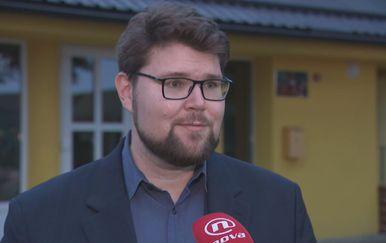 Peđa Grbin razgovara s Ivnom Brkić Tomljenović (Foto: Dnevnik.hr)