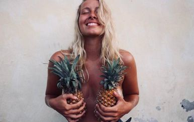Grudi i ananas (Foto: izismile.com) - 19