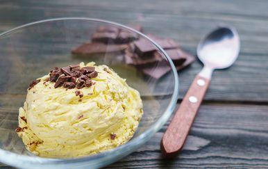 Sladoled od banane i maslaca od kikirikija