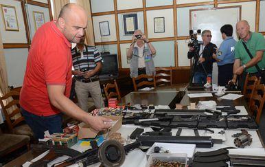 U kući Siščanina pronađen velik arsenal oružja (Foto: Nikola Cutuk/PIXSELL)