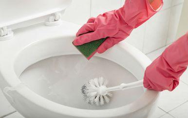 Čišćenje WC školjke