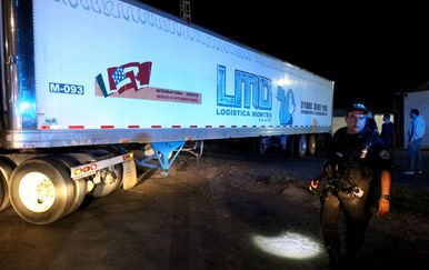 Kamion s tijelima (Foto: AFP)