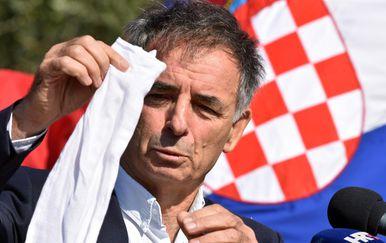 Milorad Pupovac na komemoraciji u Varivodama (Foto: Hrvoje Jelavic/PIXSELL)