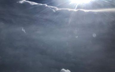 Pilot u središtu uragana (Screenshot: Twitter/NOAA)2