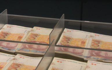 Novac za bankomat (Foto: Dnevnik.hr)