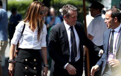 Hugh Grant i Annie Eberstein (Foto: Profimedia)