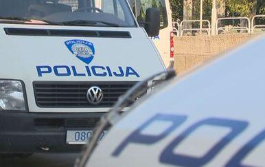 Policijski kombi (Foto: Dnevnik.hr)