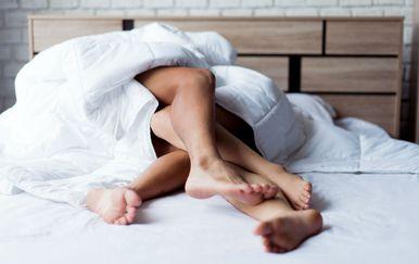 Prije nego odjurite u wc, uživajte s partnerom u trenucima nakon intimsnih trenutaka