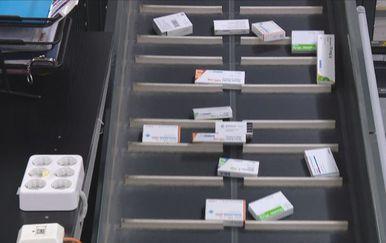 Lijekovi na traci (Foto: Dnevnik.hr)