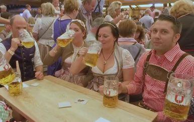 Ispijanje piva (Foto: Dnevnik.hr)
