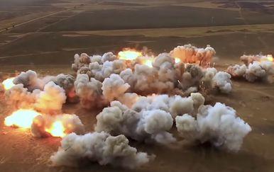 Eksplozije tijekom vojne vježbe Centar-2019 (Screenshot: Zvezda TV/YouTube)