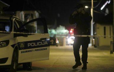 U dvorištu obiteljske kuće pronađeno tijelo žene, policijski očevid u tijeku