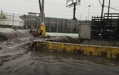 Velike poplave u Meksiku - 1